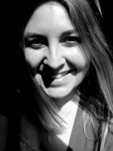 April Michelle Bratten Bio Pic